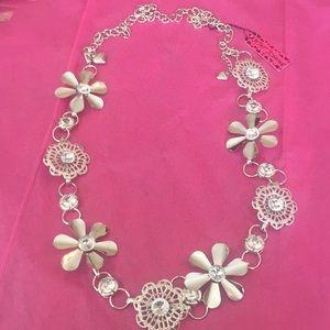 Lovely flower 🌺 necklace 🥰